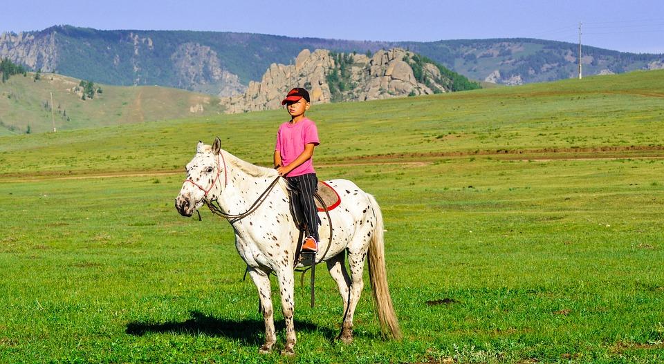 enfant mongol cheval